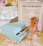 1.blue toy piano