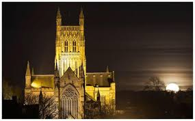 worcester full moon by cathedral - worcesternews.co.uk